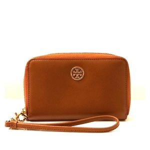 NWOT Tory Burch Robinson Wristlet for iPhone